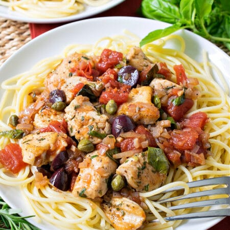 Zesty Chicken With Shallots, Capers and Olives