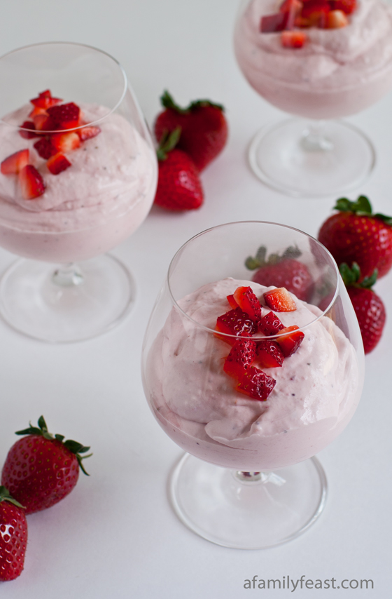 A simple, elegant and very delicious recipe for Strawberry Cheesecake Mousse
