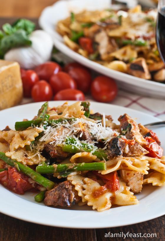 Pasta, Chicken & Asparagus in Garlic Tomato Sauce - A Family Feast