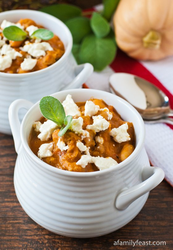 Butternut Squash and Sausage Chili - a delicious and quick weeknight dinner packed with a ton of flavor!