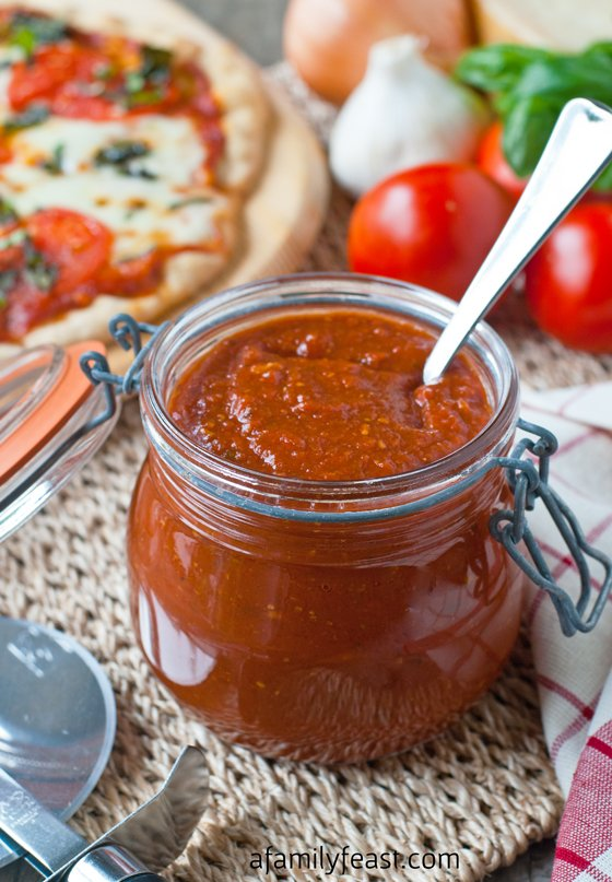 how to make pizza sauce from tomato sauce