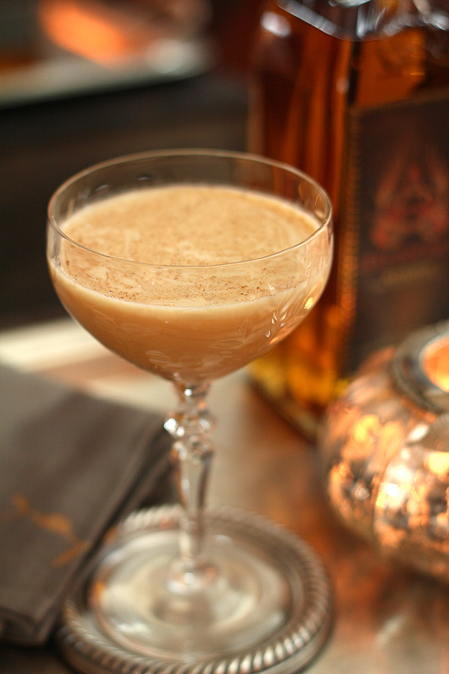 30+ Holiday Cocktails - Pumpkin Pie Martini
