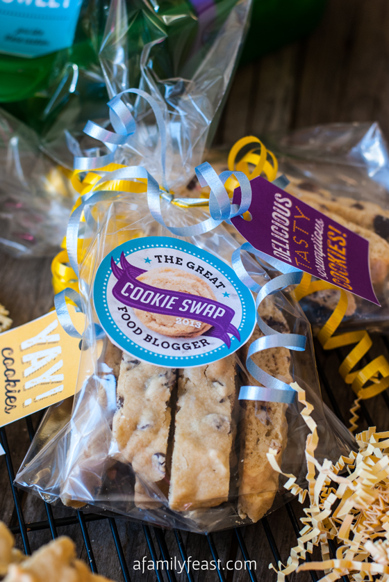 Chocolate Almond Biscotti {#fbcookieswap} - A Family Feast