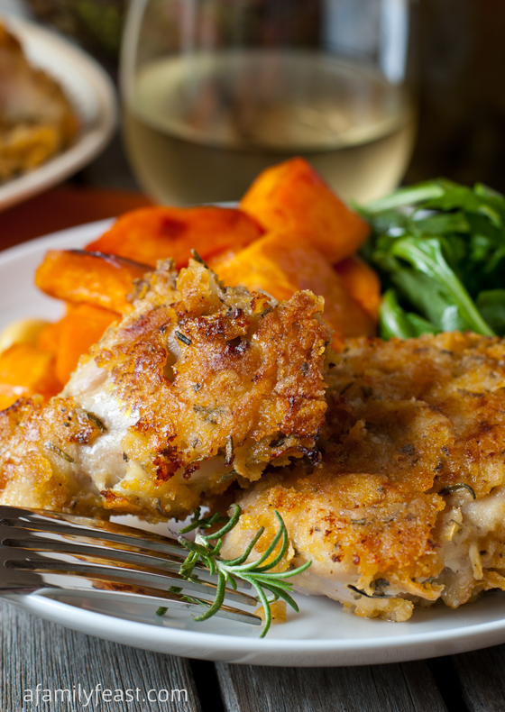 Oven Fried Rosemary Chicken - A fantastically flavored chicken recipe that your family will love. And better yet - it's low calorie!