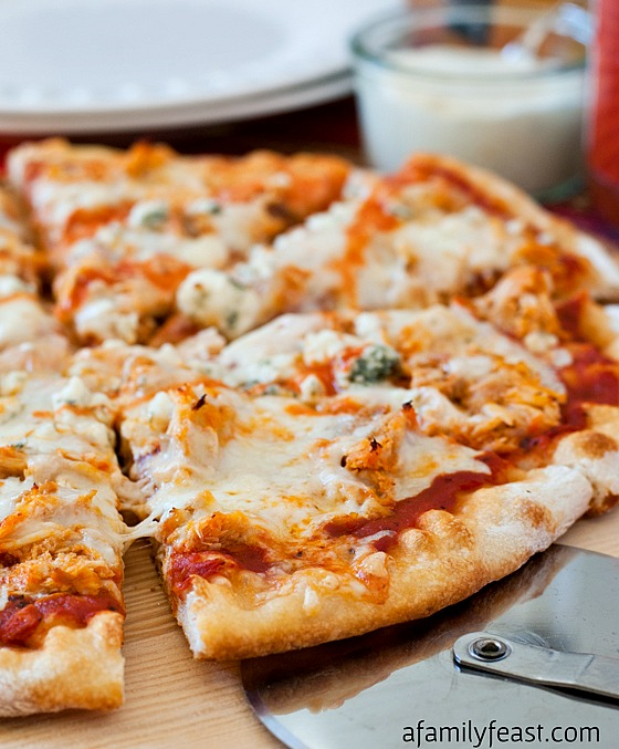 Buffalo Chicken Pizza - An outrageously good pizza (perfect for game ...