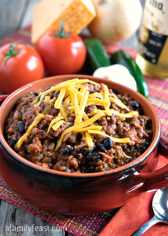 A super delicious Quick and Easy Chili Recipe that your family will love!