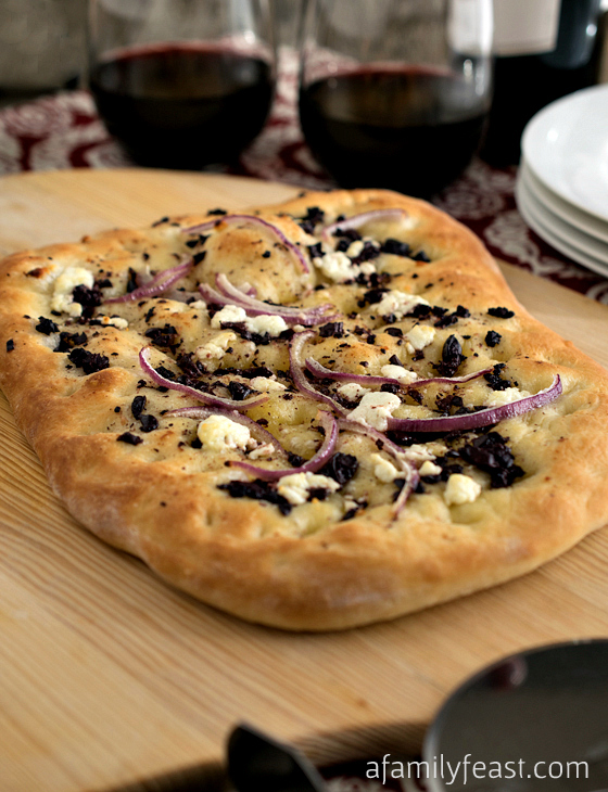 Mediterranean Flatbread - A simple, 5-ingredient flatbread made with store-bought bread dough. So easy and so delicious!