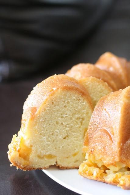 Peach Vanilla Bean Bundt Cake - 25-Plus Perfect Peach Recipes