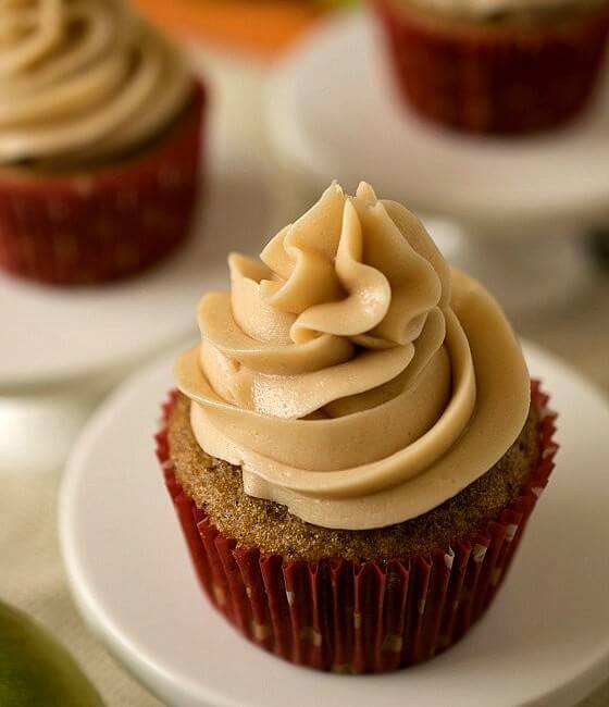 Apple Chai Cupcakes and Curious Chef Product Review