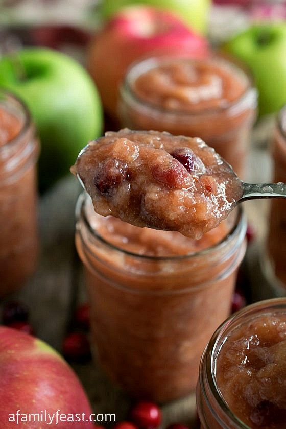 Slow Cooker Applesauce with Cranberries