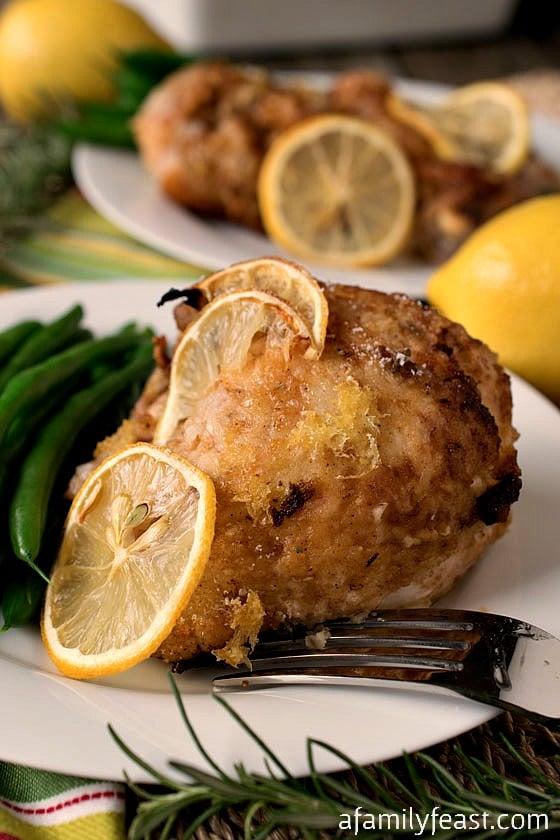 Lemon Rosemary Chicken - Super moist and flavorful baked chicken with a sweet lemon rosemary coating! #sponsored #SplendaSweeties #SweetSwaps