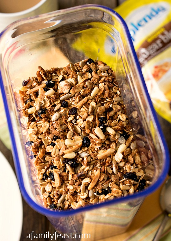 It's easy to make your own Homemade Multigrain Cereal! Your choice of grains and oats, dried fruit and nuts. Made with less added sugar thanks to SPLENDA(R) Sweeteners. #SplendaSweeties #SweetSwaps