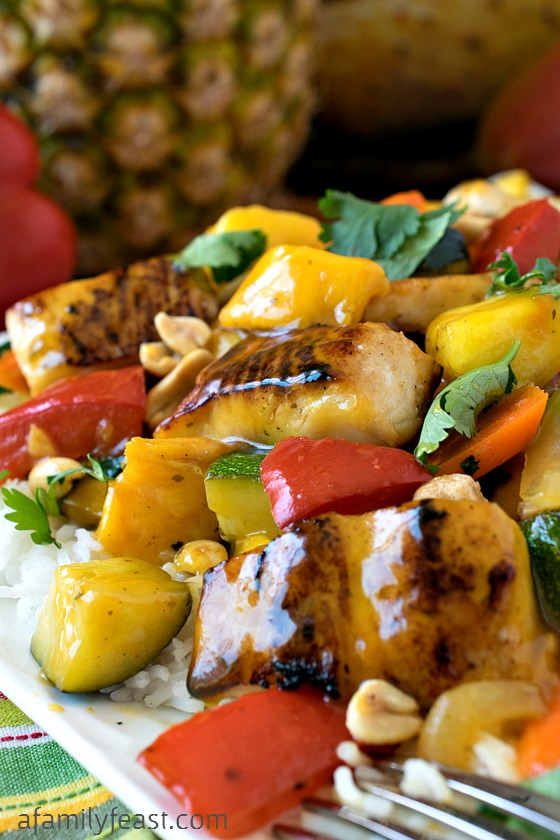 Pineapple Mango Mahi Mahi and Vegetables Over Rice - A delicious, easy dinner that the entire family will love! #sponsored #Moreys