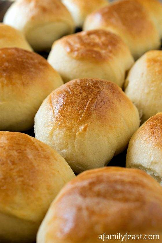 These Dinner Rolls are super easy to make and delicious! This recipe is also super versatile - add sesame seeds or poppy seeds to change things up!