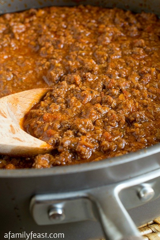 Bolognese - A classic Italian meat sauce with incredible flavor and texture!