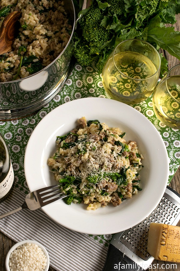 This Sausage and Broccoli Rabe Risotto is a delicious one-pot meal with fantastic flavor! #LagostinaRisottoRecipe