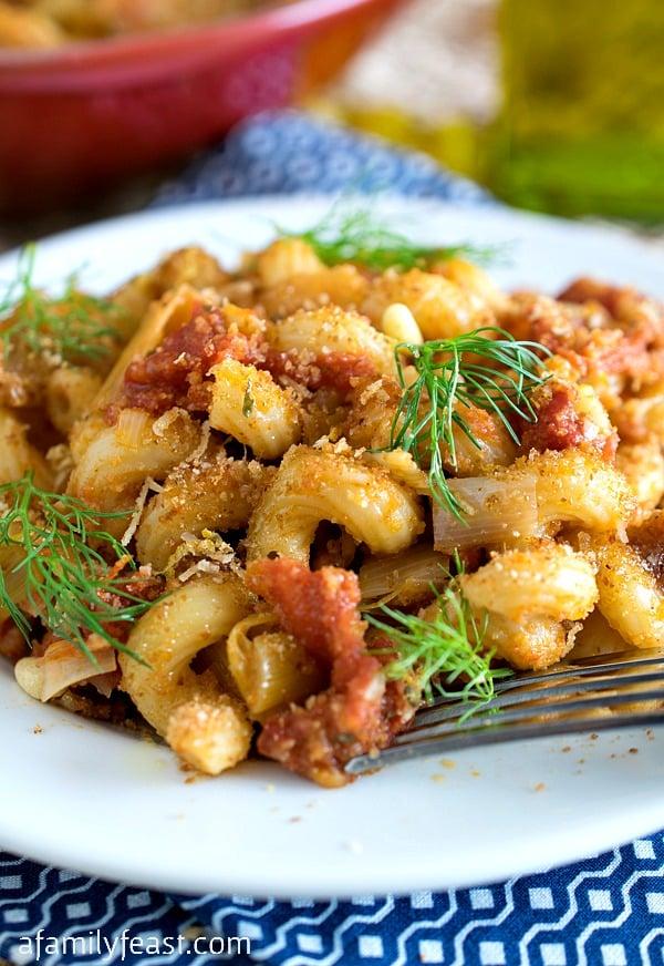 Pasta al Finocchio (Pasta with Fennel) - A simple pasta dish with fantastic flavors!