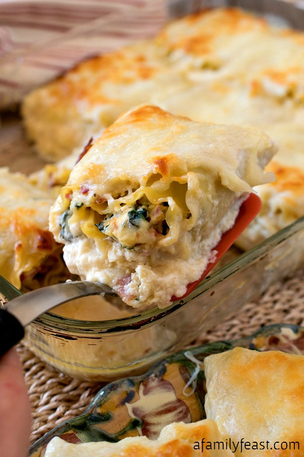 Italian Cold Cut Lasagna Rollups - All the great flavors of your favorite Italian sub, wrapped up in creamy cheesy lasagna noodles!