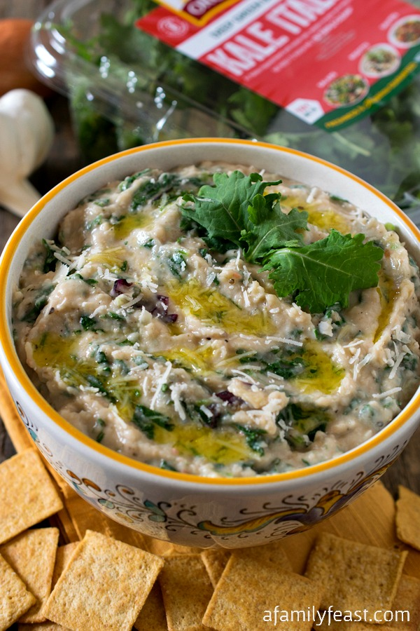 White Bean and Kale Dip - An easy and delicious dip with incredible flavors and full of healthy ingredients!