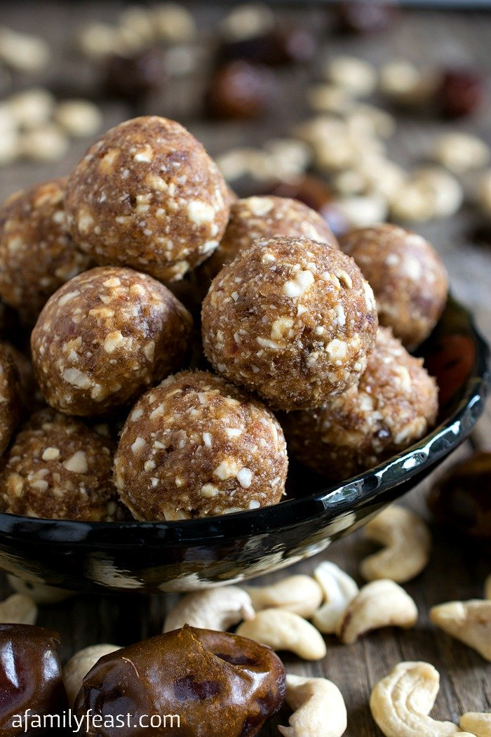 Cashew Cookie Balls - A Family Feast
