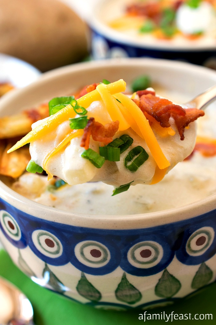 When a craving for some serious comfort food strikes – the perfect thing to make is our Loaded Baked Potato Soup!
