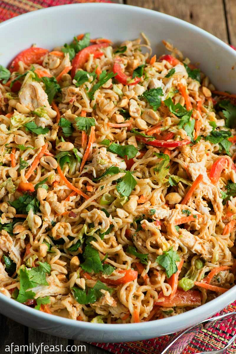 noodle salad with chicken and peanut sauce