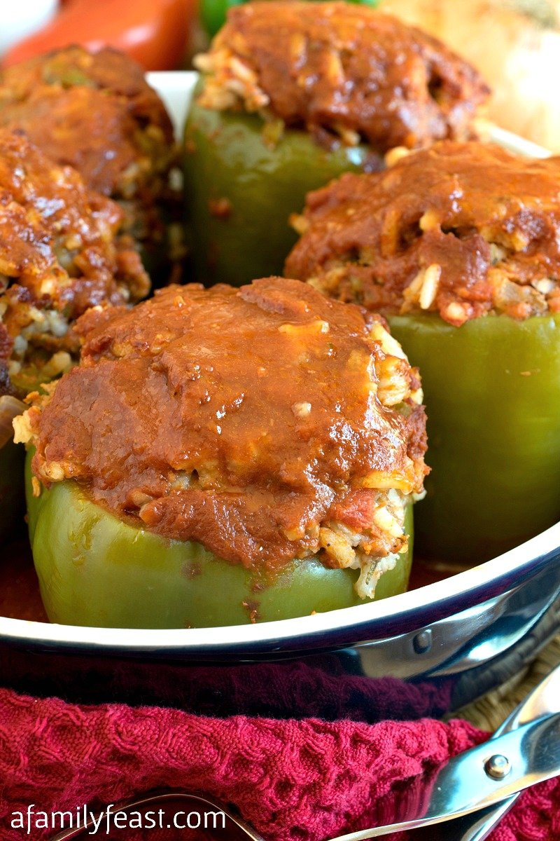 Stuffed pepper sauce: the best recipes. How to cook a sauce for stuffed peppers 11