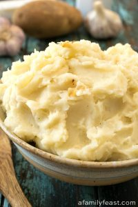 Garlic Mashed Potatoes - A Family Feast