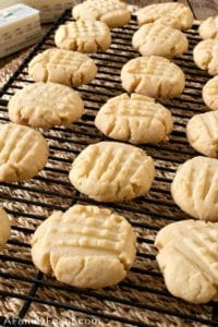 4 Ingredient Shortbread Cookies
