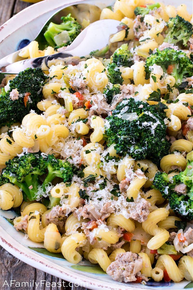 Pasta with Ground Turkey & Broccoli